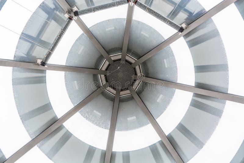 Tetto di vetro della cupola di vetro di un atrio for Tetto in vetro prezzi