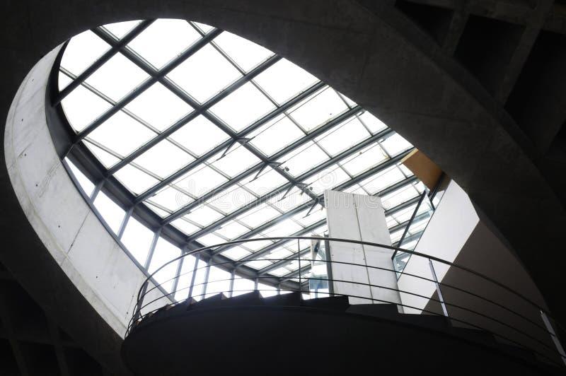 Tetto di vetro e struttura d'acciaio fotografia stock libera da diritti