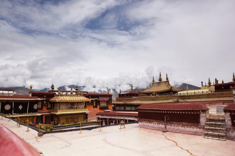 Tetto dorato in tempiale di Jokhang immagine stock libera da diritti