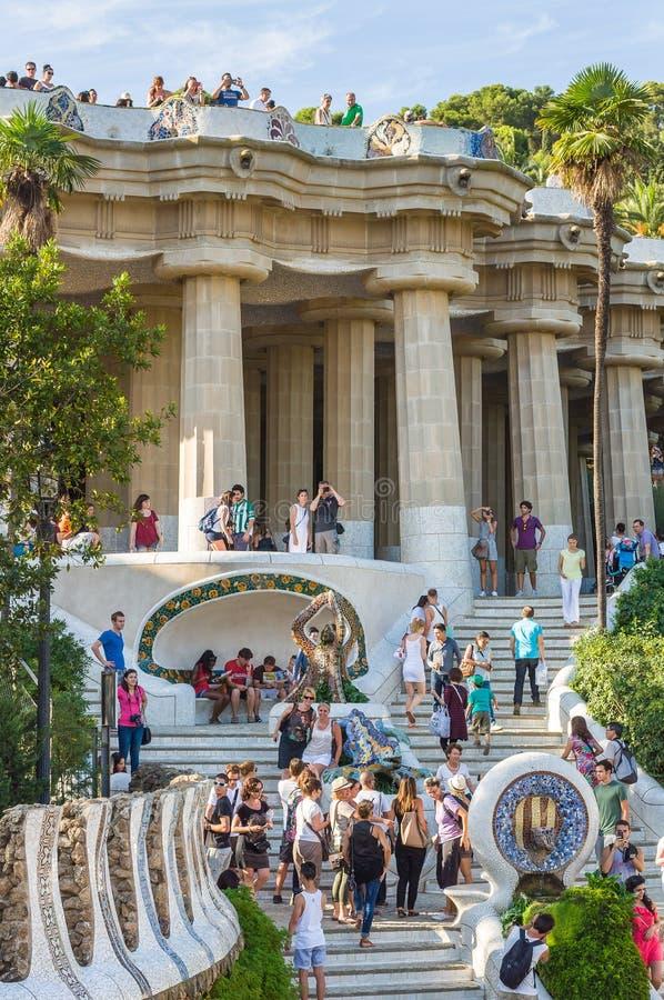 Tetto dorico di sostegno delle colonne del tribunale di primo grado Parco Guell fotografie stock