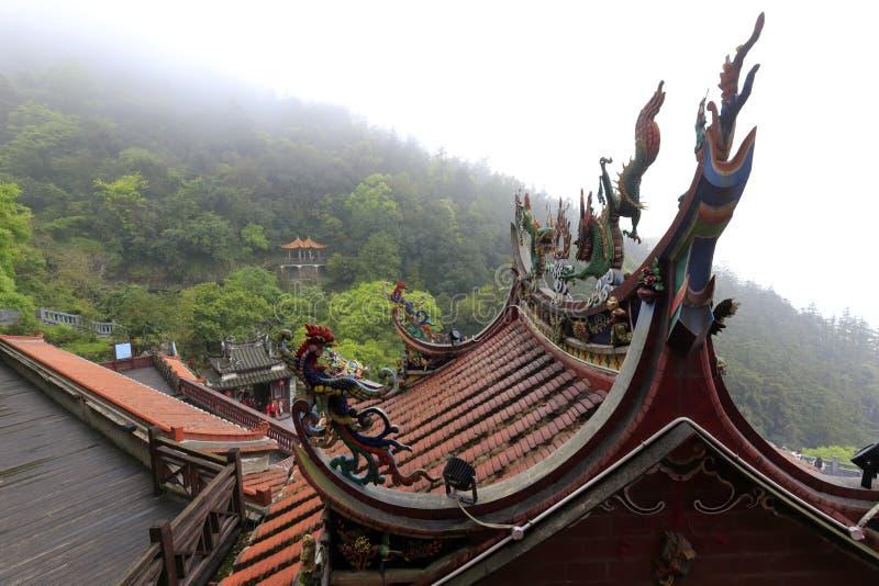 Tetto minnan tipico di stile del tempio qingshuiyan nella contea di Anxi, adobe rgb immagini stock libere da diritti