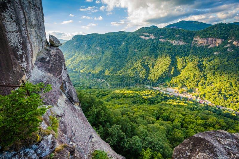 Teufel ` s Kopf und Ansicht von Bergen am Kamin schaukeln Nationalpark, N lizenzfreies stockbild