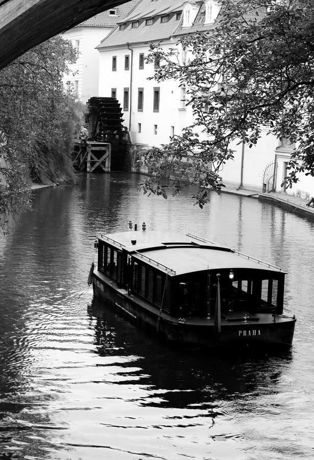 Teufel ` s Mühle mit Boot stockbilder