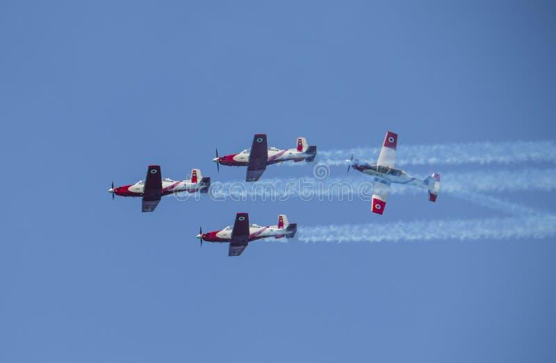 4 texan воздушных судн t6 в воздушной демонстрации в израильском Дне независимости стоковая фотография