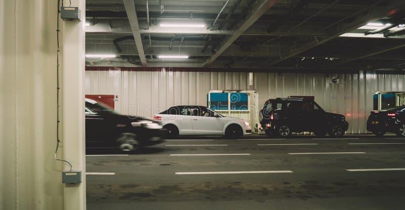 Texel för detination för bilinsdefärja skrivande in ö royaltyfri foto