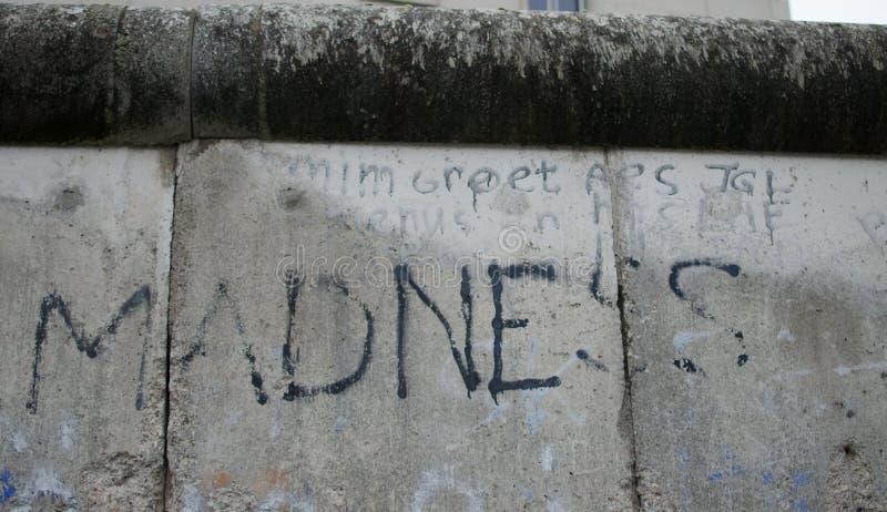 Text auf Berlin Wall lizenzfreies stockbild
