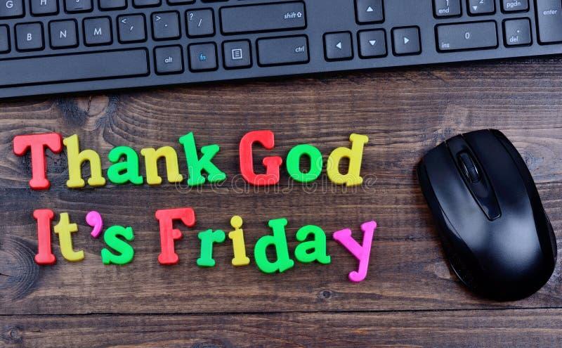 Text tackar guden det ` s fredag på tabellen arkivbilder