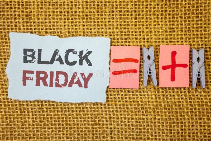 Texte Black Friday d'écriture de Word Le concept d'affaires en ventes spéciales après des achats de thanksgiving escompte le déga image stock