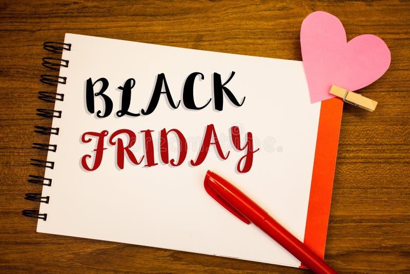 Texte Black Friday d'écriture de Word Le concept d'affaires en ventes spéciales après des achats de thanksgiving escompte le déga photographie stock libre de droits