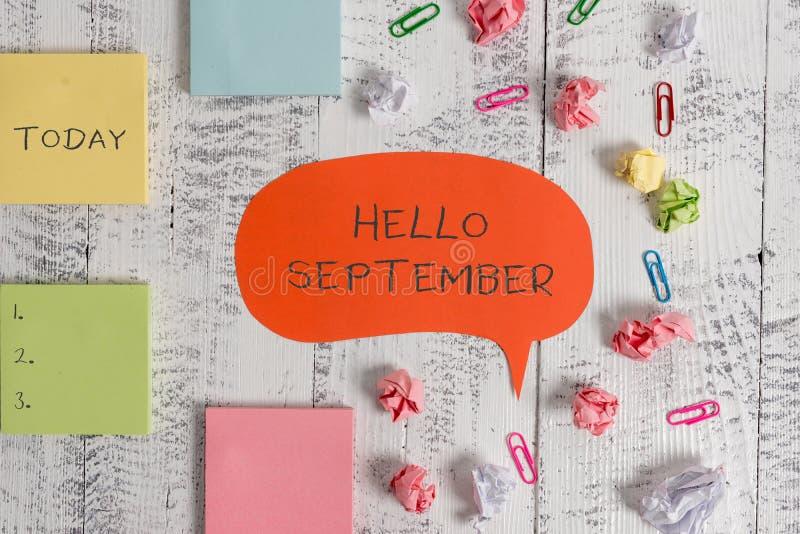 Texte bonjour septembre d'?criture de Word Concept d'affaires pour vouloir ardemment un accueil chaleureux au mois du blanc de se photos libres de droits