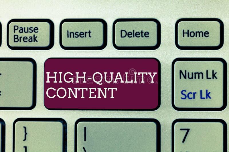 Texte d'écriture écrivant le contenu de haute qualité Le site Web de signification de concept est s'engager instructif utile à l' photos libres de droits
