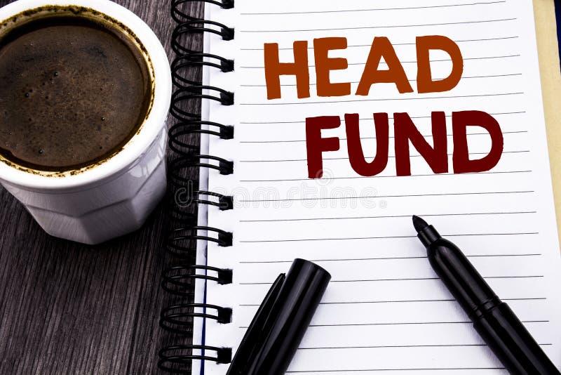Texte d'écriture montrant les fonds principaux Concept d'affaires pour l'argent de placement d'investissement écrit sur le papier photos libres de droits