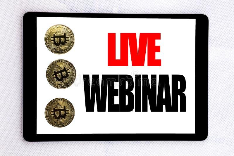 Texte d'écriture montrant Live Webinar Concept d'affaires pour l'apprentissage en ligne de Web d'affaires écrit sur l'écran de co image libre de droits