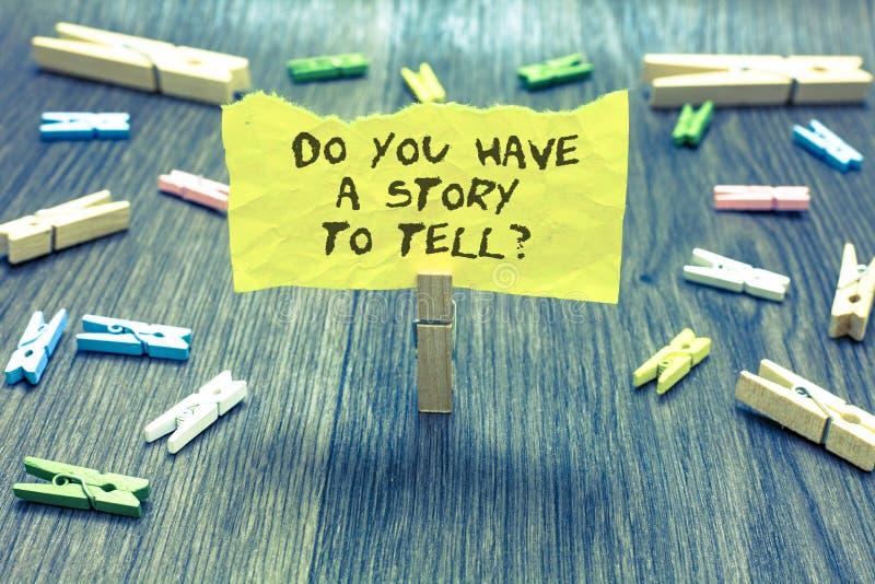 Texte d'écriture vous avez une histoire pour dire la question Acte judiciaire de prise de trombone d'expériences de contes de sou photos stock
