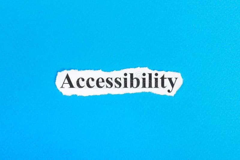 Texte d'Accessibilit sur le papier Word Accessibilit sur le papier déchiré texte debout de reste d'image de figurine de concept d photographie stock libre de droits