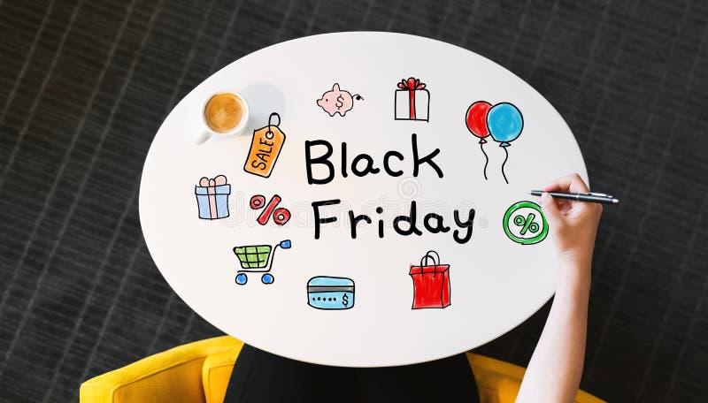 Texte de Black Friday sur une table blanche photos libres de droits