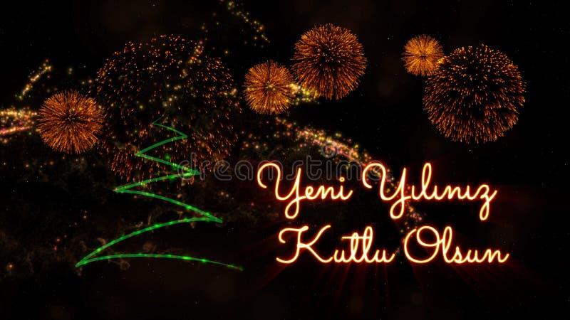 """Texte de bonne année dans le turc """"Yeni Yiliniz Kutlu Olsun"""" au-dessus de pin et de feux d'artifice photos stock"""
