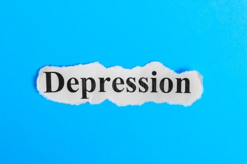 Texte de dépression sur le papier Dépression de Word sur un morceau de papier texte debout de reste d'image de figurine de concep photo libre de droits