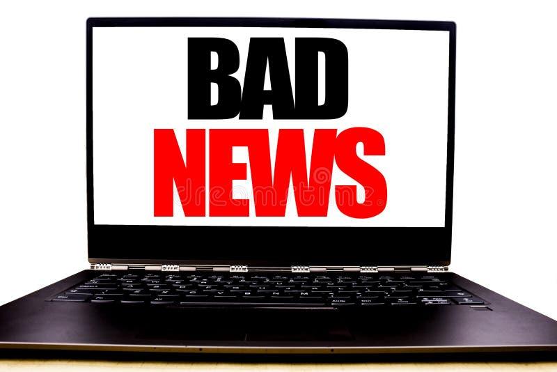 Texte manuscrit montrant la mauvaise nouvelle Écriture de concept d'affaires pour le journal de media d'échec écrit sur l'écran d photo stock