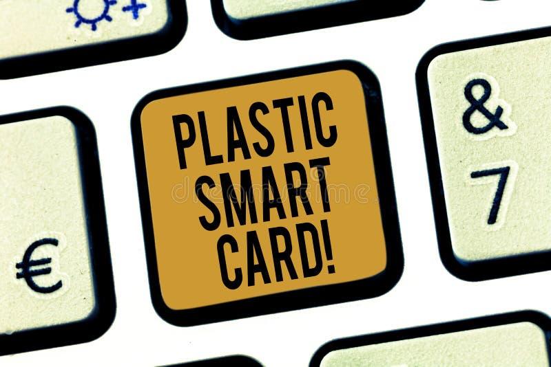 Texte Smart Card en plastique d'écriture Concept signifiant la marque de sécurité qui a inclus la clé de clavier intelligente de  image libre de droits