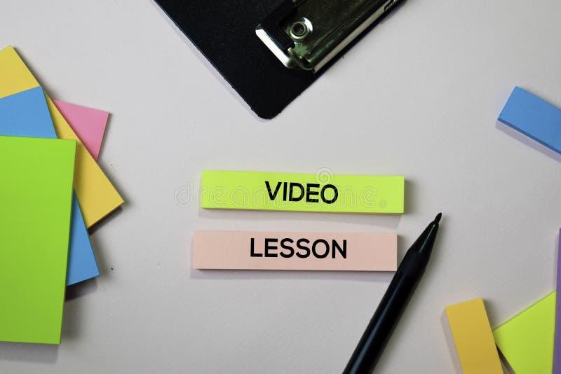 Texte visuel de leçon sur les notes collantes avec le concept de bureau photo stock