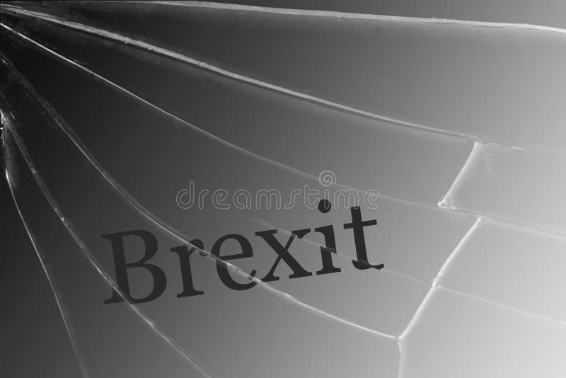 Texten Brexit på det brutna exponeringsglaset Begreppet av en UK-utgång från den europeiska unionen royaltyfri illustrationer