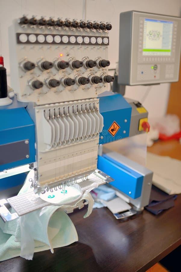 Textil som väver maskinen arkivfoton