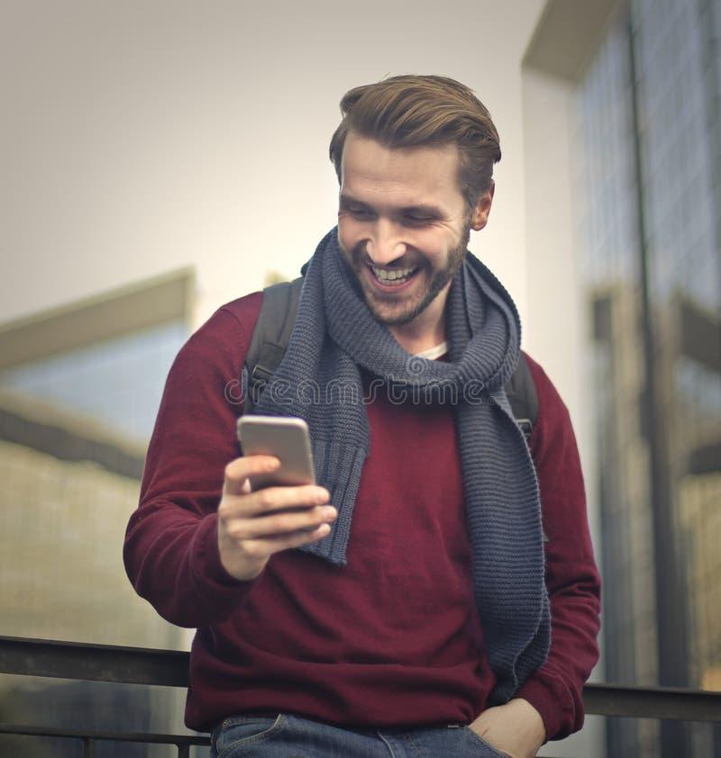 Texting é engraçado imagem de stock