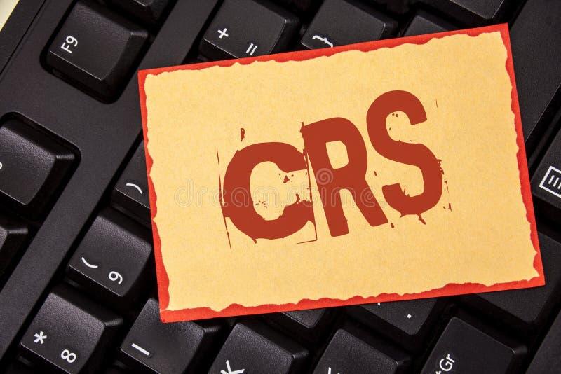 Texto CRS de la escritura de la palabra Concepto del negocio para el estándar común de la información para compartir la informaci foto de archivo libre de regalías