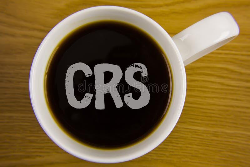 Texto CRS de la escritura de la palabra Concepto del negocio para el estándar común de la información para compartir la informaci fotos de archivo