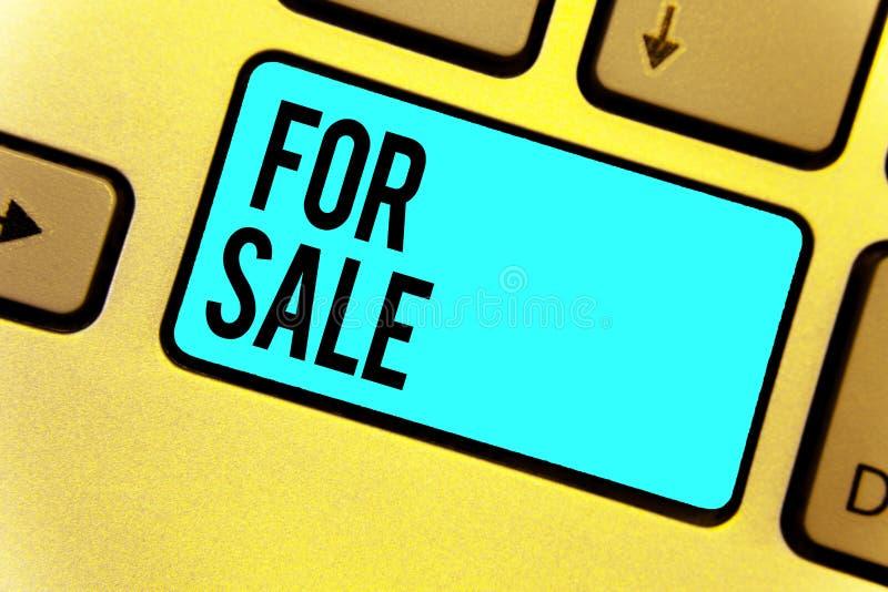 Texto da escrita para a venda Significado do conceito que põe o veículo da casa da propriedade disponível para ser comprado por o ilustração stock