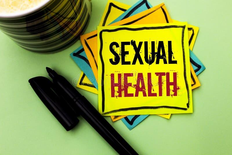 Texto da escrita que escreve a saúde sexual Conceito que significa o cuidado saudável do sexo dos hábitos da proteção do uso da p imagem de stock royalty free