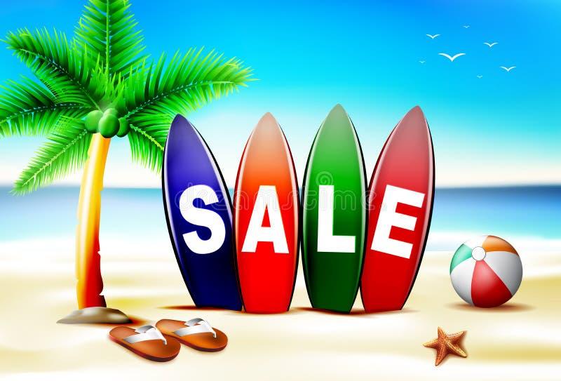 Texto da venda do verão na placa de ressaca na frente do litoral ilustração royalty free