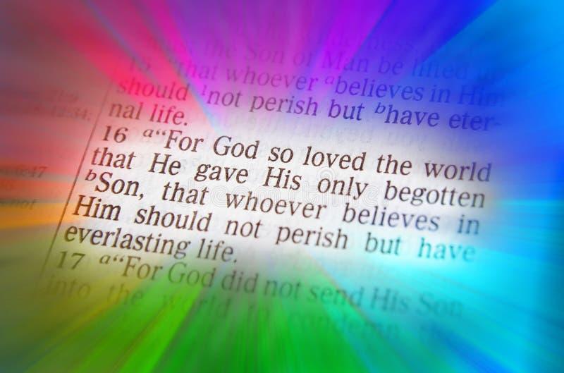 Texto de la biblia - dios amó tan el mundo - 3:16 de Juan imágenes de archivo libres de regalías