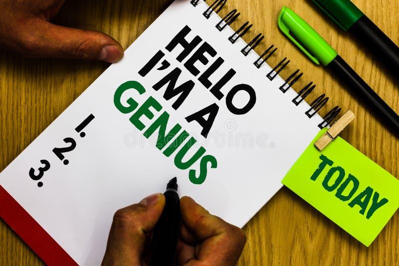 Texto de la escritura hola soy un genio El significado del concepto se presenta como sobre la persona media a otros el anillo p d fotos de archivo