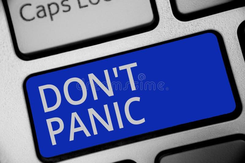 Texto de la escritura que escribe el pánico de Don t no El concepto que significa la sensación fuerte súbita del miedo previene e foto de archivo