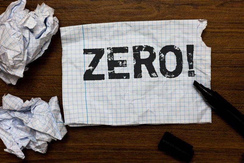 Texto de la escritura que escribe la llamada de motivación cero El concepto que significa la nada del vacío algo ningunas ideas d imágenes de archivo libres de regalías