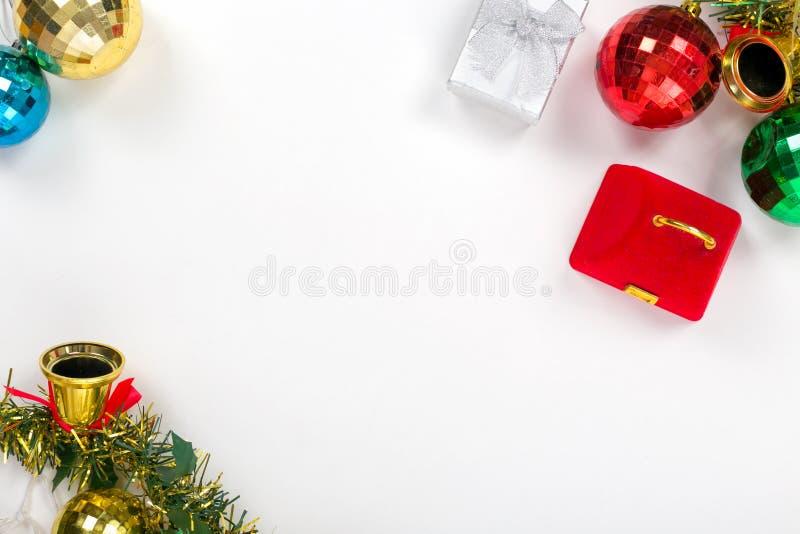 Texto determinado del terraplén del regalo de la tarjeta del Año Nuevo en el fondo blanco imagen de archivo