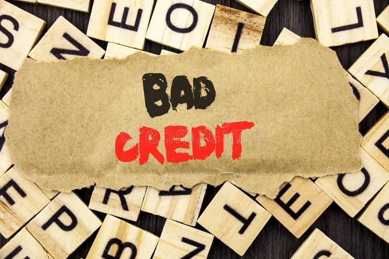 Texto do anúncio da escrita que mostra o crédito mau Conceito significando a contagem pobre da avaliação do banco para a finança  imagem de stock royalty free