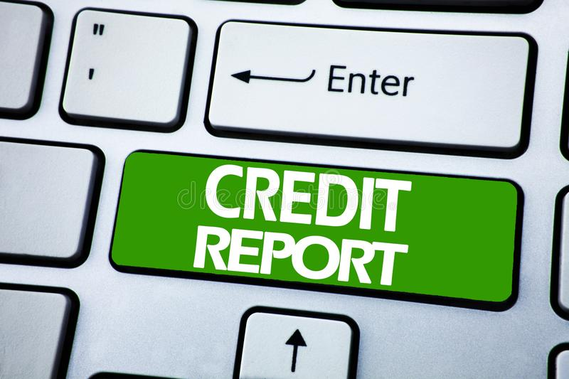Texto do anúncio da escrita que mostra o relatório de crédito Conceito do negócio para a verificação da contagem da finança escri imagem de stock royalty free