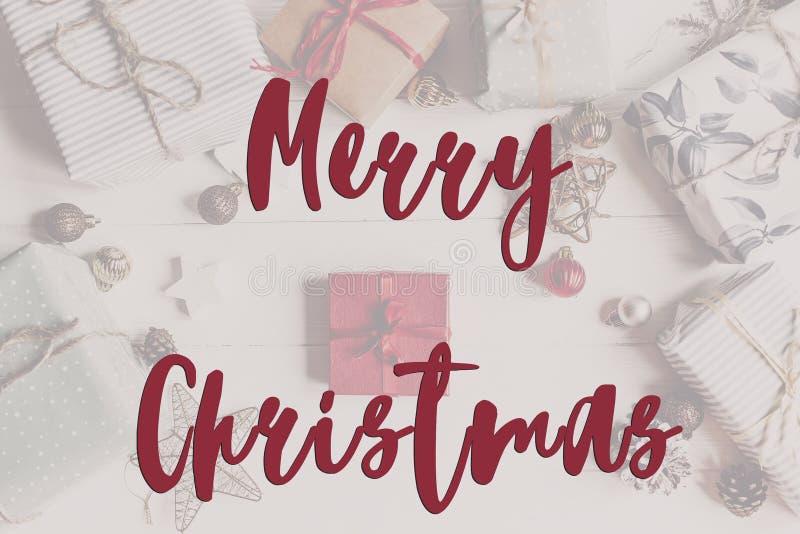 Texto do Feliz Natal, sinal sazonal do cartão de cumprimentos Configuração lisa ST imagens de stock royalty free
