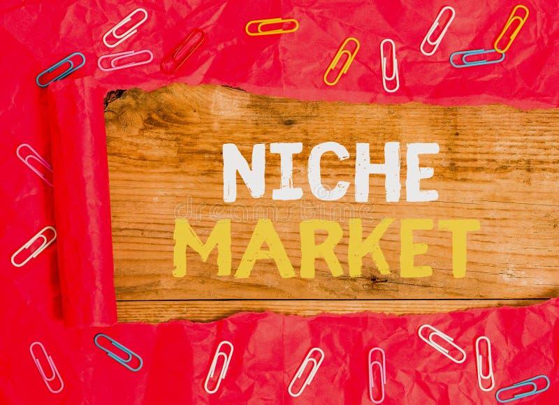 Texto escrito Niche Market Conceito comercial para o subconjunto do mercado em que se concentra um produto específico fotos de stock