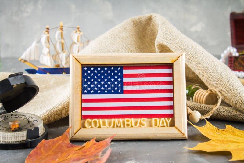 Texto feliz de Columbus Day Concepto del día de fiesta de los E.E.U.U. El descubridor de América Estados del día de fiesta imagen de archivo libre de regalías