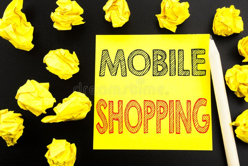 Texto manuscrito que muestra compras móviles Escritura del concepto del negocio para la orden en línea del teléfono móvil escrita fotografía de archivo libre de regalías