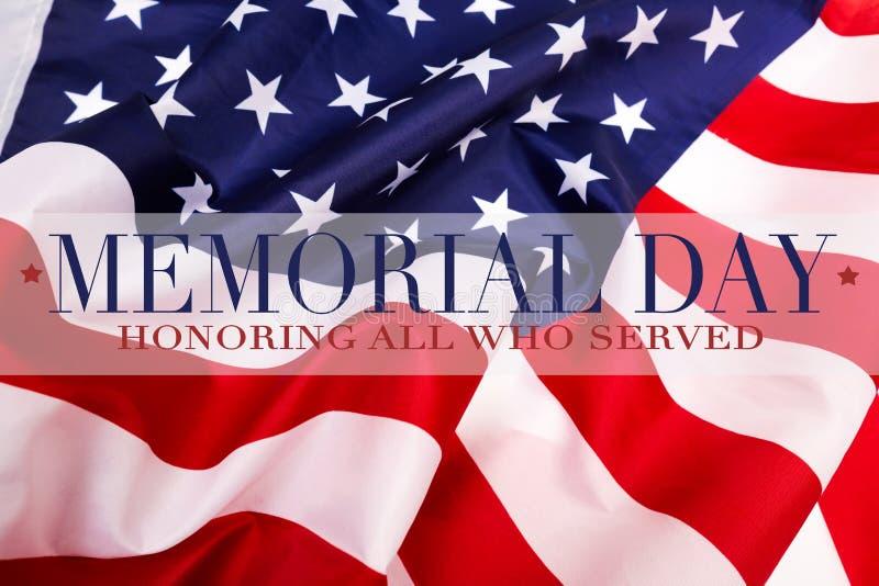 Texto Memorial Day en fondo de la bandera americana imagen de archivo libre de regalías