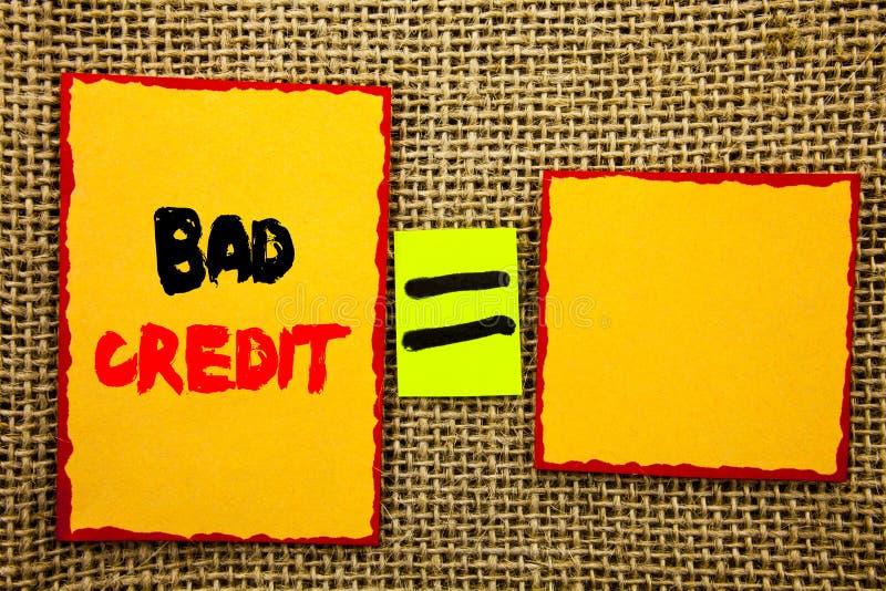 Texto que muestra mún crédito Foto del negocio que muestra la cuenta pobre del grado del banco para las finanzas del préstamo esc fotos de archivo libres de regalías