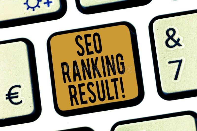 Texto Seo Ranking Result da escrita O significado do conceito refere a posição dos Web site na chave de teclado dos resultados do foto de stock