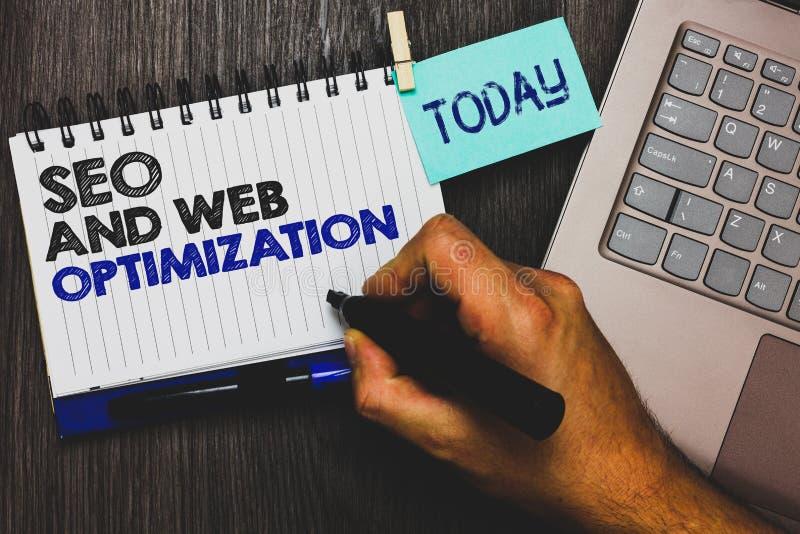 Texto Seo And Web Optimization da escrita da palavra Conceito do negócio para o aperto do clipe das estratégias de marketing de K imagens de stock royalty free