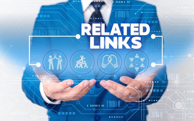 Textschreibtexte zu verwandten Links Geschäftskonzept der Website innerhalb einer Website Querverweise Hotlinks Hyperlinks Männli lizenzfreie stockfotografie