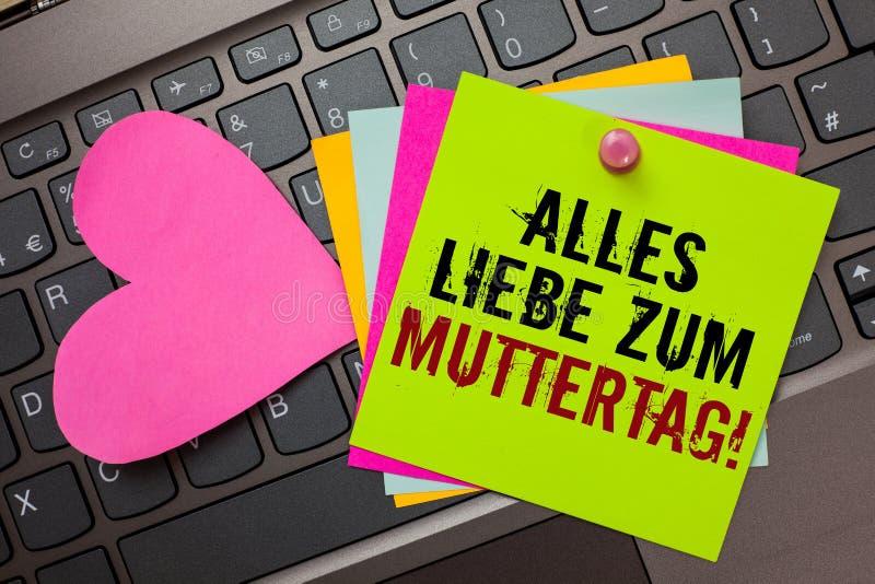 Texttecken som visar Alles Liebe Zum Muttertag Ljust färgrikt skriftligt för begreppsmässig för moderdag för foto lycklig för för royaltyfria bilder